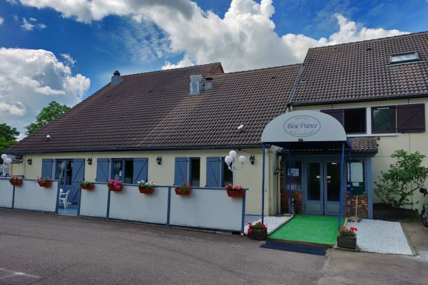 hotel-bleu-france-eragny-contact-hotel-00B0CEF0A7-4157-4D5A-A263-998AB84613C7.jpg