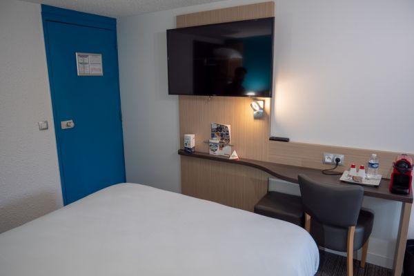 hotel-bleu-france-eragny-contact-hotel-0829438672-CC10-487C-AC08-5A3C8A934D0B.jpg