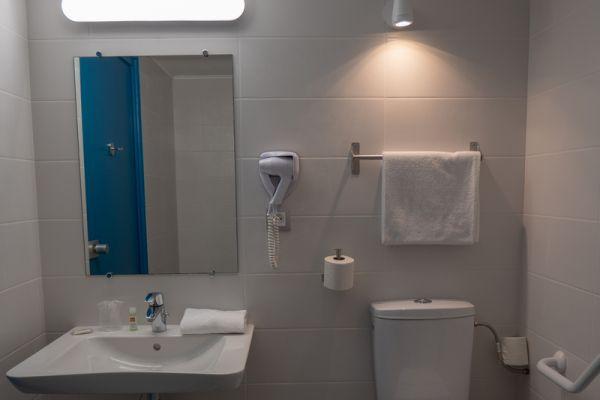 hotel-bleu-france-eragny-contact-hotel-152E914967-9208-412F-B5F1-550C6FEE6FD0.jpg