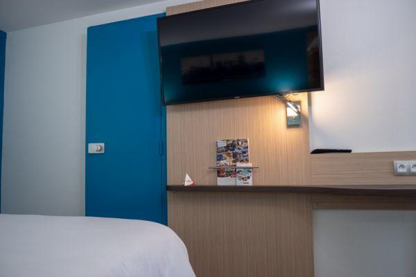 hotel-bleu-france-eragny-contact-hotel-19AF51A57F-7337-4C90-B2B9-4A3FEFB1F68C.jpg