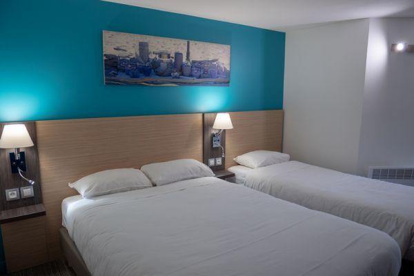 hotel-bleu-france-eragny-contact-hotel-28C473D893-84A4-4B7F-A552-1EFADF1D3D1C.jpg