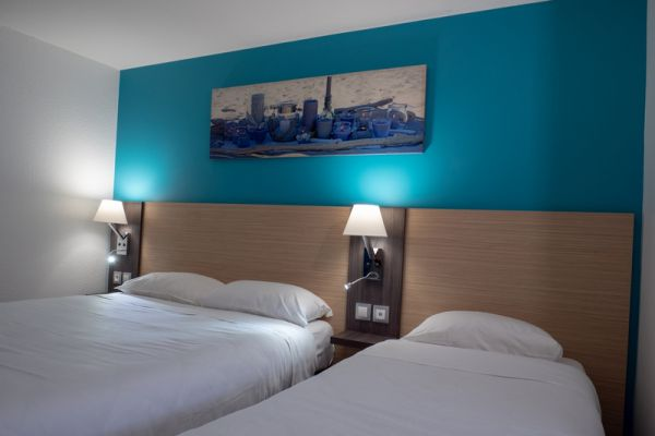 hotel-bleu-france-eragny-contact-hotel-35F1E72147-4D0C-422E-B3B1-C6F90C6836FE.jpg