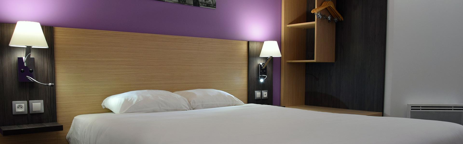 hotel_bleu_france_chambre_violet_1920x600